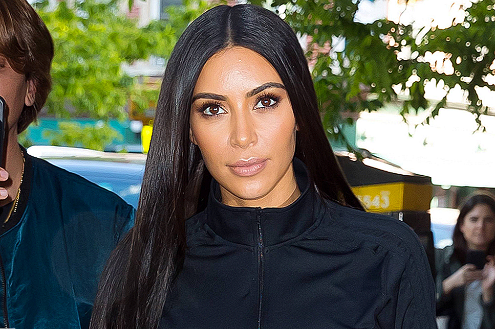 Kim Kardashian West Says Ini 10-Hari Weight-Loss Cleanse Apakah Membantu Pound Nya Shed
